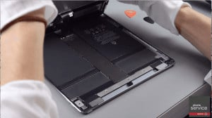 Llevaremos hacia el centro la pantalla del iPad Pro