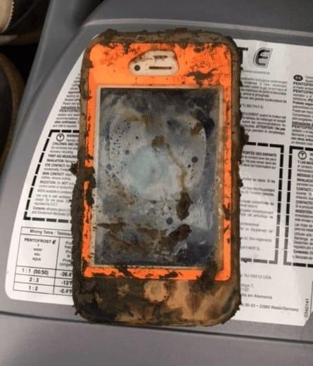 iPhone 4 oxidado