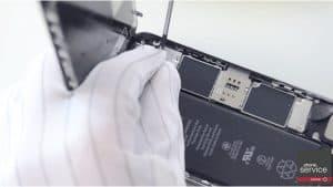 11 Conectamos-los-flex-de-la-pantalla-del-iPhone-6S