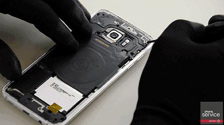 Colocamos la middle frame del Galaxy S7 Edge