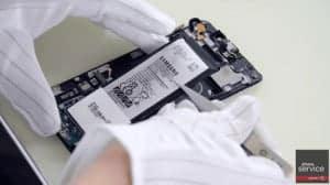 12-Ponemos-la-bateria-del-Samsung-Galaxy-S6-Edge-Plus-1