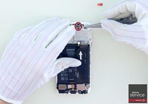 23.-Colocamos-el-sensor-de-proximidad-y-luminosidad