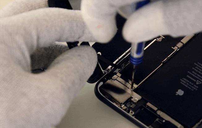 conectar el flex del sensor de proximidad y luminosidad, camara frontal y auricular