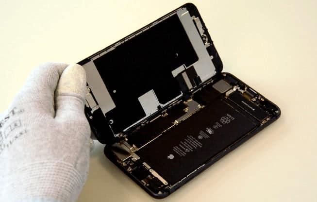 iPhone 8 Plus abierto como un libro