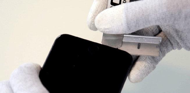 separamos la pantalla del chasis del iPhone 8 Plus