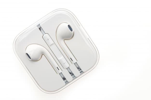 vista-superior-de-auriculares-nuevos