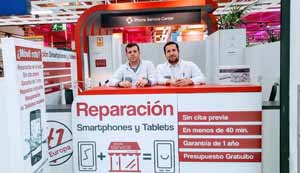 Reparacion de moviles phone service center Maquinista Barcelona